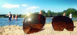 vacances-avec-lunette-de-soleil